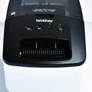 D01F41 - BROTHER QL-700 Imprimante d'étiquettes Plug 'n' Print – simplicité imbattable